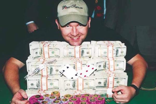Chris Moneymaker winning the WSOP 2003 Main Event
